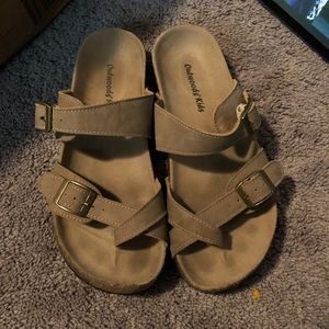 Outwoods Kid's sz 4 girl sandals✨✨